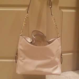 NEW WITH TAGS MICHAEL KORS Devon handbag $398